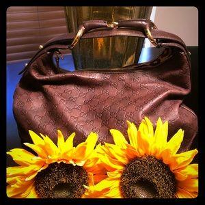Gucci leather signature hobo handbag
